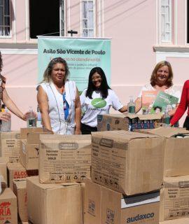 Unifacear realiza doação dos produtos adquiridos através de campanha de solidariedade