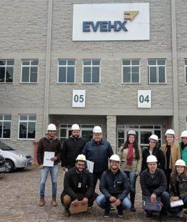 Alunos de Engenharia Civil realizam visita técnica na Evehx