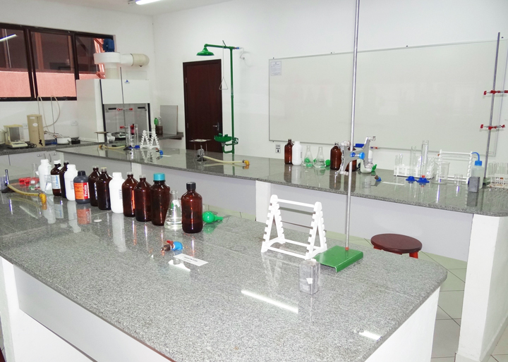 laboratorio-quimica-unifacear-2