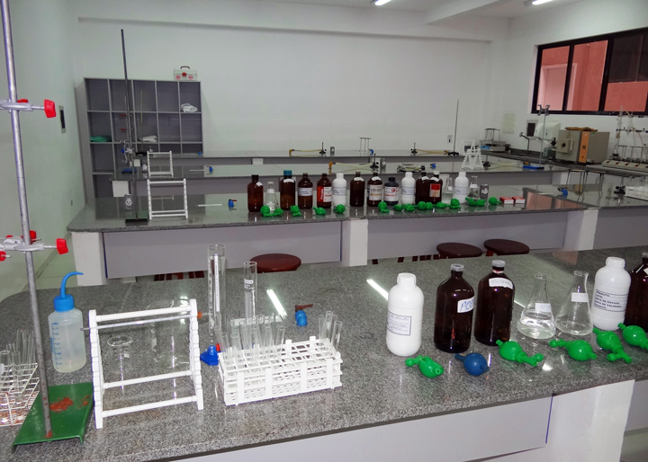 laboratorio-biologia-unifacear