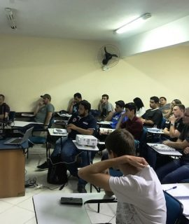 Acadêmicos de Engenharias assistem a palestras sobre Impressora 3D e Indústria 4.0 e 5.0