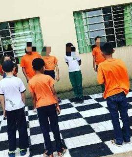 Acadêmicas de Pedagogia em ação em escola de Araucária