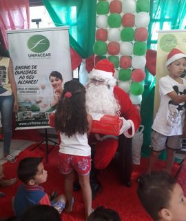 Alunos dos campi participam do Papai Noel dos Correios
