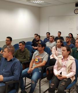 Acadêmicos de Engenharia Mecânica realizam visita técnica a empresa Blount